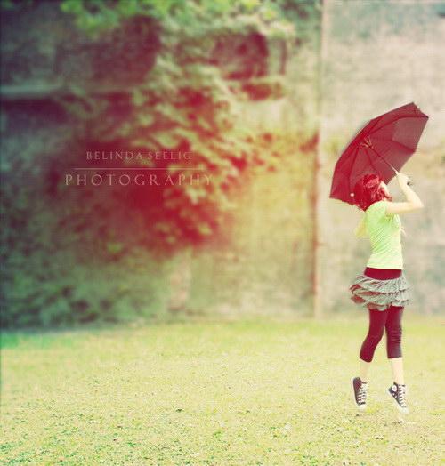عکس دونفره زیر چتر