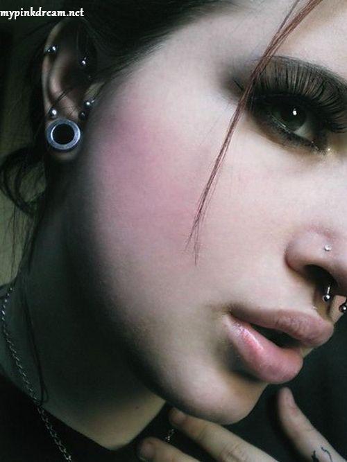 [تصویر:  lips%2Cdeviant%2Cface%2Cmueremaria%2Cpho...d65e_h.jpg]